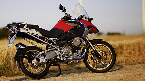 2010-bmw-r1200gs-review-of-the-new-king-of-the-dirt