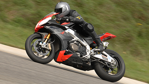 2010-aprilia-rsv4-factory-track-test-video
