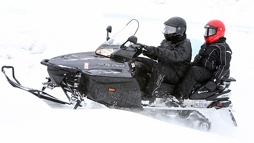 2008-yamaha-rs-venture-gt-vs-2008-arctic-cat-tz1-comparison-test-video